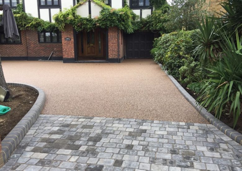 Mixed Resin and Block Paving by Diamond Driveways