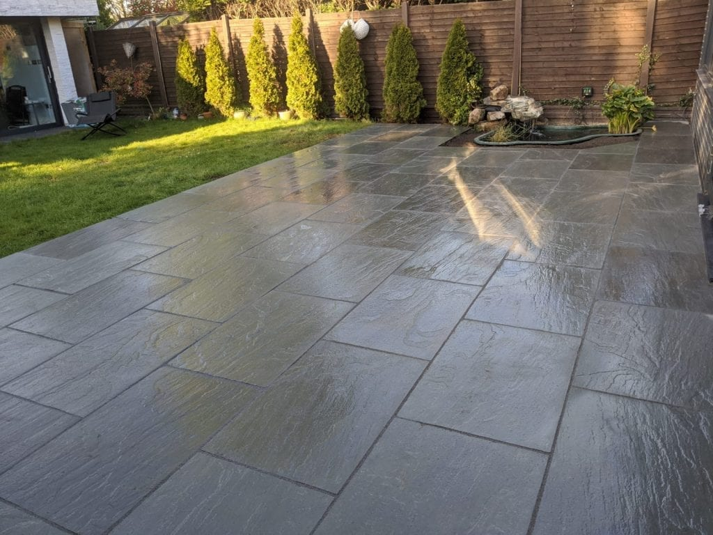 Natural Stone Patio Close Up Diamond Driveways